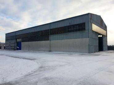 ** Na predaj priemyselná montovaná hala 991 m2 s kancelárskymi priestormi - Trenčianske Bohuslavice, okres Nové Mesto n/V **