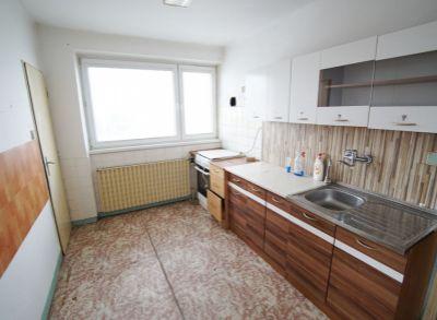 3 izbový byt s vlastným kúrením, garážou a záhradou na predaj, Vrútky