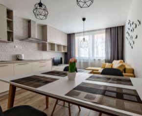 Kompletne zrekonštruovaný  - 3 izbový byt pri OC RETRO - Ružinov