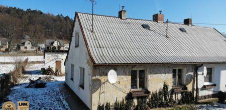 Ponúkame Vám na predaj 3i dom v pôvodnom stave vo vyhľadávanej obci Trenčianska Teplá