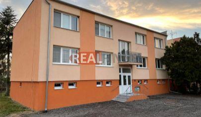 Rezervované  NOVÉ ZÁMKY /Aňala/ - 3 izbový byt s garážou a záhradkou na predaj