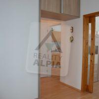 3 izbový byt, Považská Bystrica, 69 m², Čiastočná rekonštrukcia