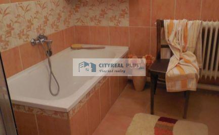 Ponúkame Vám na predaj prerobený rodinný dom v obci Kravany nad Dunajom