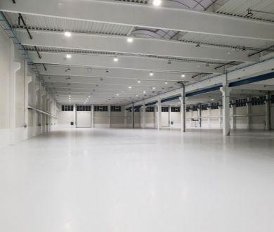 Ponúkame na prenájom výrobné a skladové priestory v modernej hale nachádzajúcej sa v areály bývalých Považských strojární.