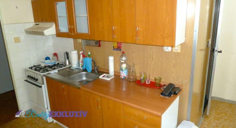 Na predaj 2 izbový byt s loggiou, Lučenec - Opatová
