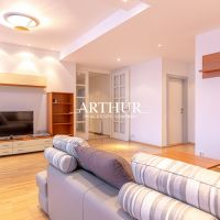 3 izbový byt, Bratislava-Staré Mesto, 92 m², Čiastočná rekonštrukcia