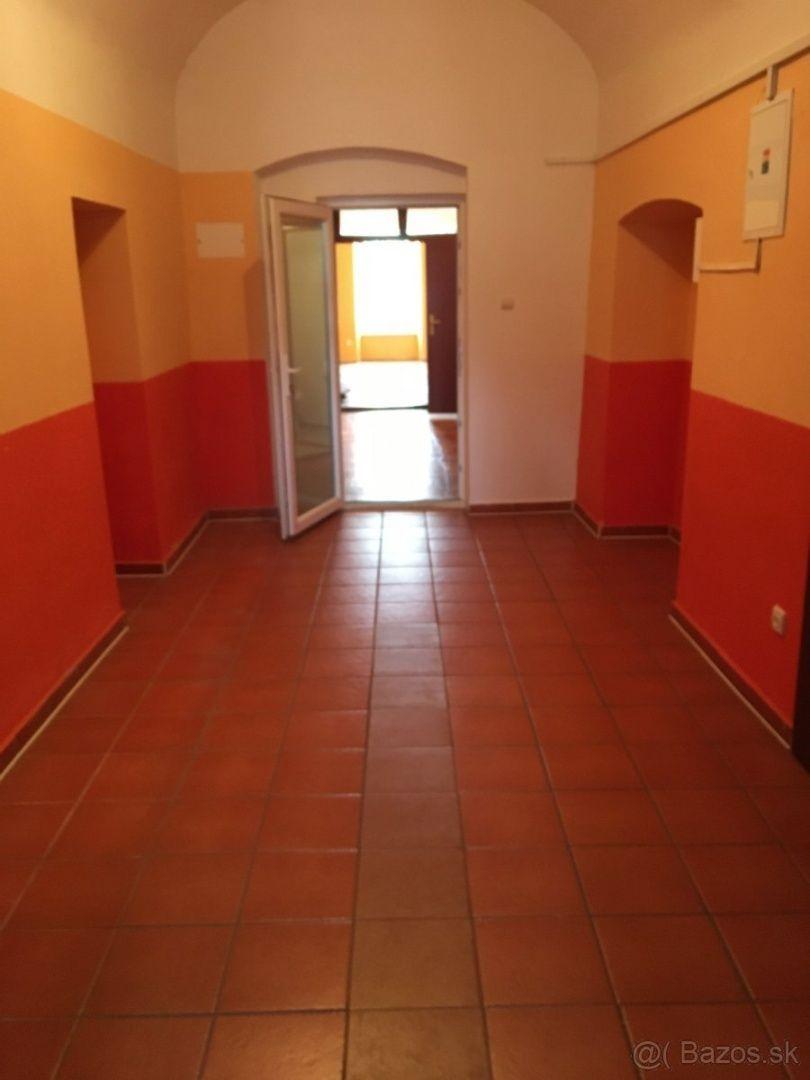 ID 008-16-JAKIa  Kancelárske priestory na predaj - centrum Spišská Nová Ves