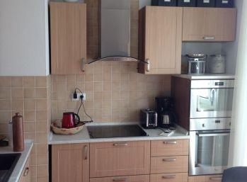 BA IV. Na prenájom 2 izbový byt na Kresánkovej ulici