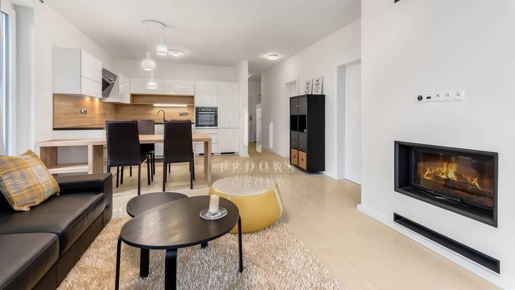 Fantastický priestranný 2i byt s veľkou terasou pri Horskom parku