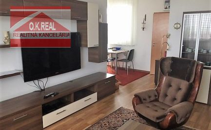 Ponúkame na prenájom priestranný 2-izbový byt s parkovaním v novostavbe na Kresánkovej ulici, 680,-Eur aj s energiami