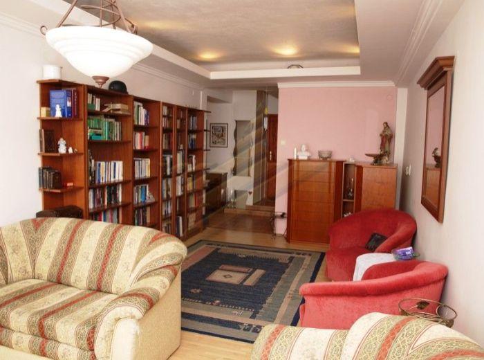 PREDANÉ - VAZOVOVA, 3-i byt, 98 m2 - s pivnicou, takmer KOMPLETNÁ REKONŠTRUKCIA, 6. posch. s výťahom, VÝHĽAD DO PARKU a na BLUMENTÁLSKY kostol