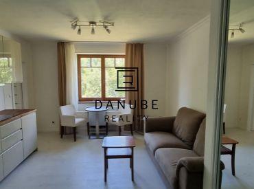Prenájom 2-izbový apartmán 40 m2, 1. poschodie na Antolskej ulici v Bratislave pri jazere Draždiak.