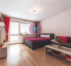 2 izb. byt s veľkou loggiou, garážové státie, novostavba, Stupava
