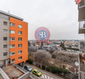 Veľkometrážny 2 izbový byt s balkónom, novostavba, ul. Kazanská