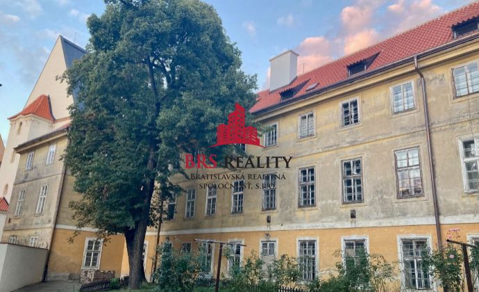 Výnimočný byt v úplnom centre Prahy s parkovaním !!!
