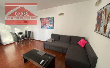 Ponúkame na predaj 1-izbový zariadený byt v 13 ročnej stavbe na Machnáči, ulica Sklenárska, lokalita Bratislava I.-Staré Mesto