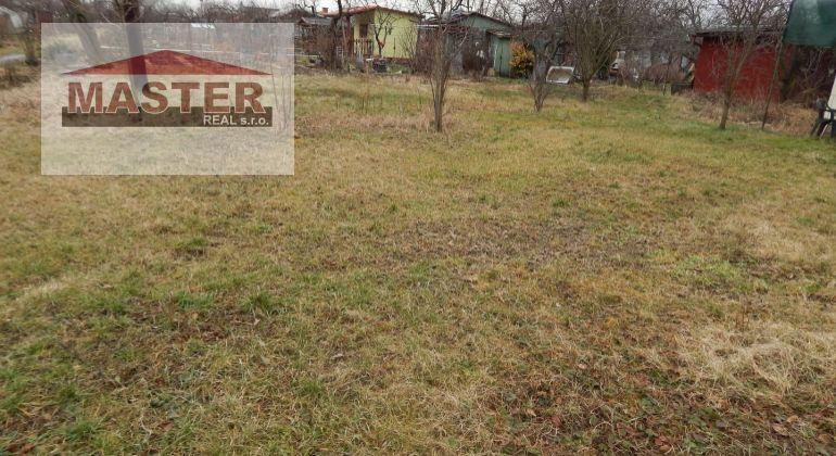 MASTER REAL-Na  Predaj záhrada  202 m2, v osade SNP,  Prievidza, Staré Sídlisko