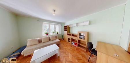 NA PREDAJ útulný a priestranný 2izbový byt s vlastným vykurovaním vo vyhľadávanej lokalite mesta Trenčín