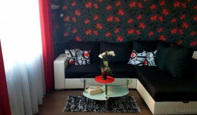 Predaj - pekný, zariadený 3-izbový byt Pezinok, 1.mája.