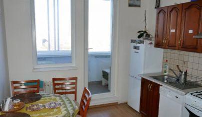 Na predaj 4.izbový byt Petržalka, Budatínska.