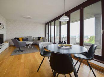 PROMINENT REAL predá pekný 4 izbový nadštandardný byt v exkluzívnom rezidenčnom projekte Parkville.