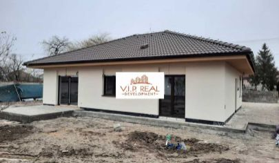 Na predaj dva samostatné rodinné bungalovy Tureň, Hlavná.