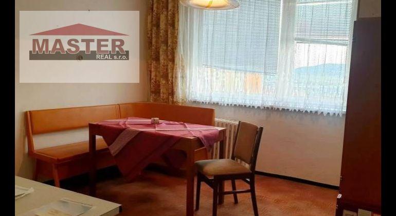 Na predaj 1i byt v Bánovciach n/B-Stred / Loggia, pivnica /pôvodný stav