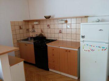 BA II. Ružinov - 1,5 izbový byt na Sklenárovej ulici
