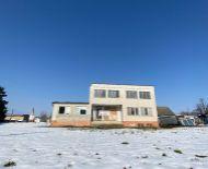 Na predaj velký rodinný dom s pozemkom 23arov