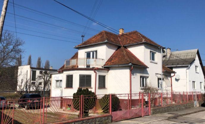 Na predaj 5 izbovy rodinný dom v Novákoch
