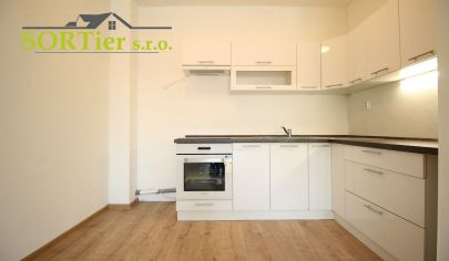 SORTier s.r.o. ponúka  na predaj 2-izbový byt v Obytnom komplexe PEGAS -  ŠTANDAR a Kuchynská linka.