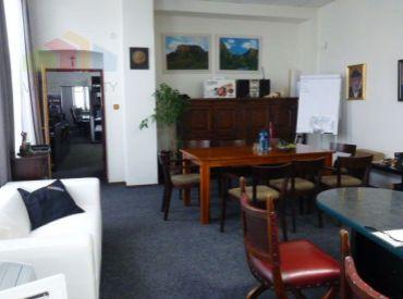Obchodný a kancelársky priestor Ilava - Námestie, 60 m2 *** Dlhodobý prenájom
