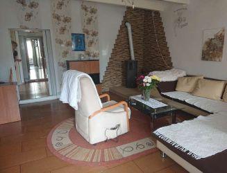 Dobrá Niva – rodinný dom s hospodárskou budovou, záhradou, pozemok 787 m2