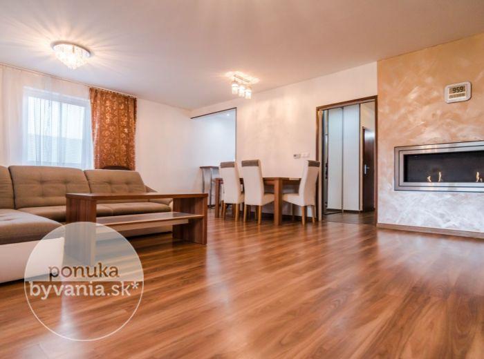REZERVOVANÉ - HOLUBIA , 4-i dom, 137 m2 - POZEMOK 387 m2, ticho, súkromie, MESAČNÉ NÁKLADY 53 EUR, krytá terasa