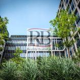 Reprezentatívne kancelárie 270 m2 v centre, aj s veľkou terasou 137 m2