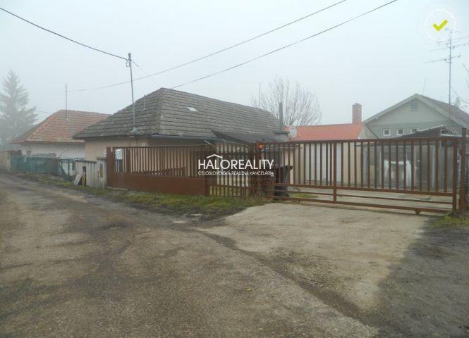 Rodinný dom - Želiezovce - Fotografia 1