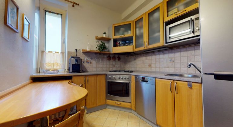 Veľký 1,5-izbový byt pri Tehelnom poli