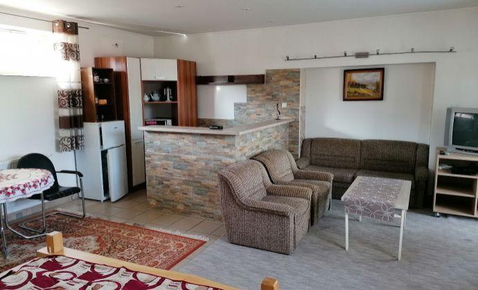 PRENÁJOM - veľký 1-izbový apartmán - SUČANY