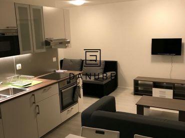 Prenájom 1-izbový byt s garážovým státím v Bratislave-Záhorskej Bystrici, ul. Pri Vápenickom potoku.