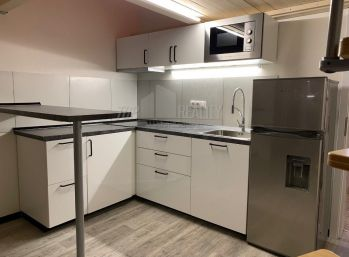 Klimatizovaný 1-izbový byt s parkovaním v Novostavbe