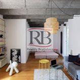 Na prenájom 1 izbový zrekonštruovaný byt na Prievozskej ulici v Ružinove, BAII