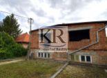 Rozostavaný rodinný dom s v Kajali na 15árovom pozemku na predaj za výbornú cenu