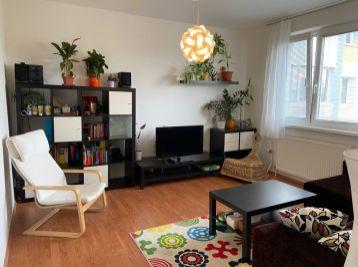 PROMINENT REAL prenajme pekný 3 izb. v Petržalke na Vígľašskej ulici.