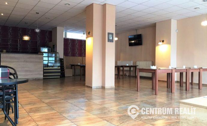 Prenájom: Priestor na reštauráciu, obchod, služby, 105 m2 + zázemie, Petržalka, terasa bytového domu