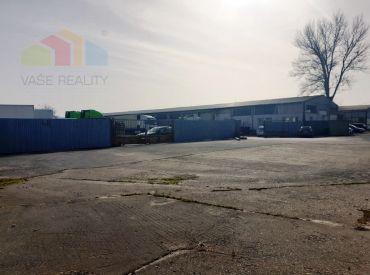 ** Na predaj priemyselný objekt s montovanou halou o rozlohe 1510 m2 a priľahlými pozemkami o výmere 8700 m2 - Trenčianske Bohuslavice, okres Nové Mesto n/V **