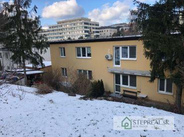 Kramáre- 3izbový byt + garáž + priľahlý oplotený pozemok 370 m2