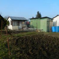 Záhrada, Levice, 400 m²