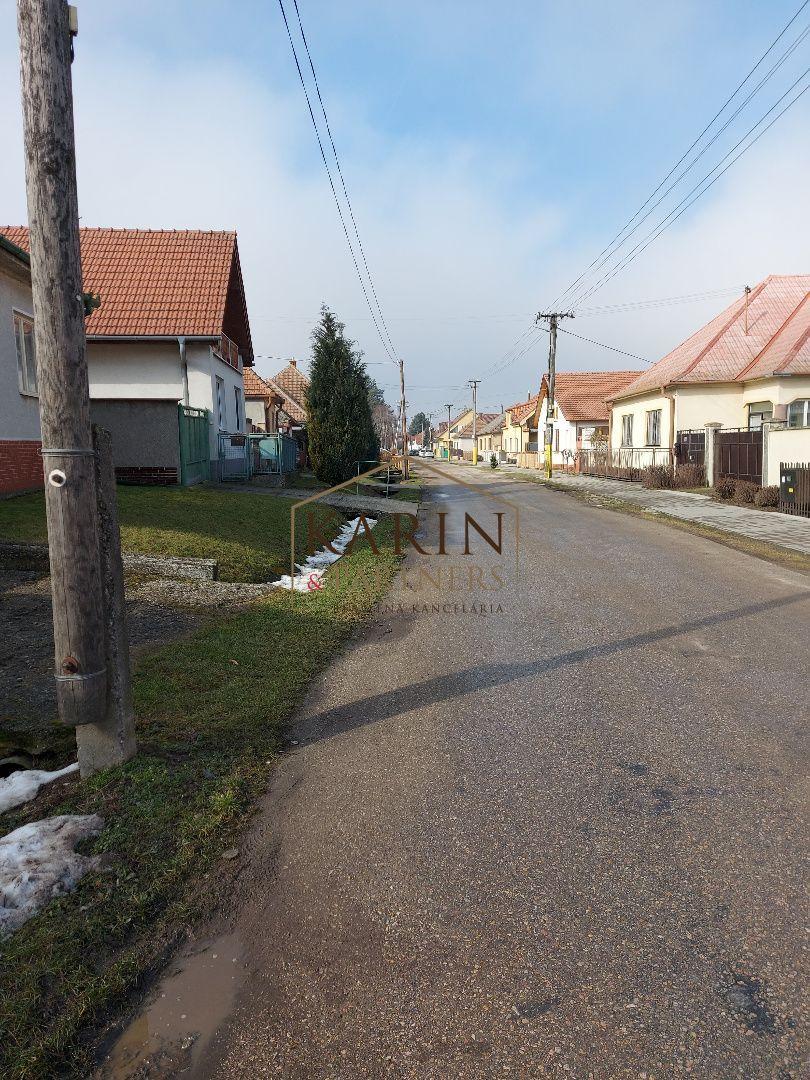 Pozemok pre RD-Predaj-Rišňovce-54 000 €