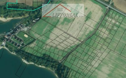 Posledné lukratívne stavebné pozemky neďaleko brehu Lipt. Mary , Tatralandie a Lipt. Trnovca