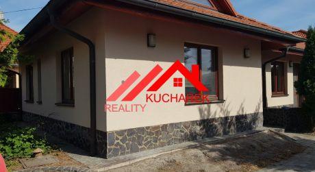 Kuchárek-real: Pekný dom s obchodom , pivnicou a lisovňou  vo Veľkom Mederi.